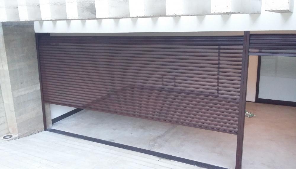 Portões de Garagem de Aço Automáticos